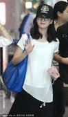 2014年07月27日讯,上海,日前,刘诗诗吃好品牌方的高端晚宴后,她来到上海虹桥机场,立即打电话给...