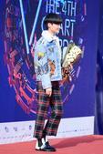"""昨晚,李宇春在北京出席音乐颁奖典礼,一举斩获""""亚洲最具影响力歌手"""" 、""""内地最佳女歌手"""" 、""""传媒推..."""