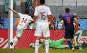 北京时间6月14日凌晨,西班牙同荷兰在B组首轮小组赛中展开较量。比赛第25分钟席尔瓦和哈维连续直传,...