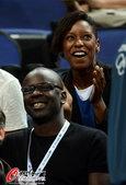 2012年8月12日,2012年伦敦奥运会女篮决赛,美国vs法国,图拉姆到场观战。 更多奥运视频>...