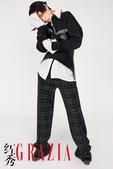 搜狐娱乐讯 水原希子为某杂志所拍摄的一组时尚大片于近日曝光,作为时尚icon的水原希子在此次拍摄中,...