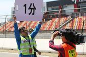 2017CSBK中国超级摩托锦标赛北京站5月6日正式开赛,比赛中众车手在赛道上竞相奔驰,图为比赛精彩...
