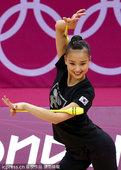 当地时间2012年8月8日,伦敦奥运会,孙妍在训练备战。更多奥运视频>> 更多奥运图片>>