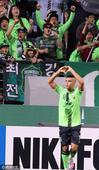 北京时间9月28日,2016赛季亚洲冠军联赛东亚区展开半决赛首回合争夺。在全州世界杯体育场进行的一场...