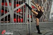 2012年7月19日,人气女星孙敬媛现身鸟巢,取景拍摄奥运歌曲《奥运圣火》MV。当日她整套运动装上场...