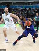 北京时间2016年8月22日,里约奥运会男篮决赛在卡里奥卡体育馆展开角逐。美国男篮经过四节较量以96...