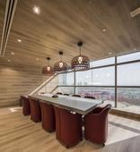 瑞士的Bureau室内设计公司在迪拜为PropertyFinder设计了新总部办公室。新总部的设计专...