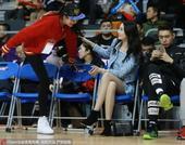 北京时间1月17日,CBA全明星正赛正式开打,前女篮国手许诺也现身场边。