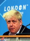 2012年8月11日,场地自行车奥运冠军特洛特与伦敦市长骑双人自行车。  更多奥运视频>> 更多奥...