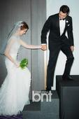 搜狐韩娱讯 韩国演员朱相昱、车艺莲将于25日晚在首尔华克山庄酒店举行婚礼。当天下午,一对新人首先携手...