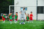 """搜狐娱乐讯 近日,""""神奇教练""""米卢加盟天津卫视《中国足球梦》出任总教练的消息,备受争议。对于已经7..."""