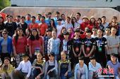 5月24日,中国(三门峡)国际黄河旅游节豫西大峡谷双胞胎漂流赛上,来自全国各地的140对双胞胎200...
