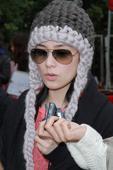 搜狐娱乐讯 [2012年12月2日 香港]容祖儿、Twins、王祖蓝、泳儿、陈伟霆、钟舒漫等十二月二...