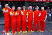 2012年7月10日,中国体操队出征伦敦奥运会,队员一身红衣期待勇创佳绩。