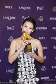 搜狐娱乐讯 2013年11月23日,第50届金马奖颁奖礼在台北举行,新加坡新人新作《爸妈不在家》爆冷...