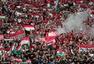 高清图:焰火又来捣乱 匈牙利球迷看台燃放焰火