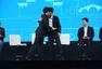 高清:AlphaGo获颁围棋9段证书 柯洁等亦获奖杯
