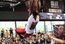 高清:韦德中国行造访韦德训练营 现场大秀扣篮