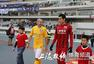 高清图:上港2-1舜天 孔卡王者归来携爱子亮相