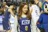 高清图:艺体萝莉孙妍在为篮球赛开球 笑容甜美