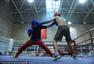 搏击人生:90后女拳手冠军梦 伤痛为伍汗水作伴