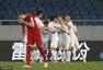 高清:力帆主场1-1亚泰 吉利奥蒂破门拥抱队友
