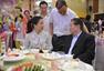 李晓霞出席王皓婚礼 张继科与伴娘保持距离(图)