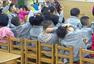 为方便管理 幼儿园老师让孩子自打嘴巴