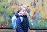 萌萌哒!英国乔治王子上幼儿园 背小书包显呆萌