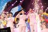 Tfboys四周年南京开唱 与小姐姐热舞High翻