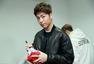 专访iKON:BOBBY清唱中文新曲 全员吐槽具俊会