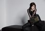 演员朴信惠拍时尚写真 黑纱皮裙尽显性感魅惑