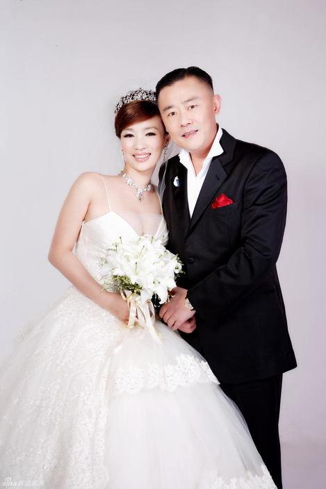 老婆婚纱照_李现老婆婚纱照