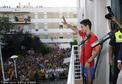 高清图:西班牙队纳瓦斯荣归故里 接受热情祝贺
