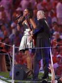 8月24日晚,北京奥运会的闭幕式,伦敦八分钟表演。