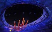 """8月24日,北京奥运会闭幕式。在名为""""记忆之塔""""的演出段落中,记录了北京奥运会的永恒瞬间。"""