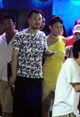 搜狐娱乐9月2日讯 近日,搜狐娱乐遇到黄海波携女友外出,与友人一同在某夜店泡吧。凭借《媳妇》被观众熟...