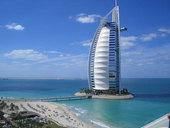 帆船酒店是阿拉伯人奢侈的象征,也是迪拜的新标志。走进这个世界上最奢华的酒店就仿佛走进了阿拉丁的洞穴,...