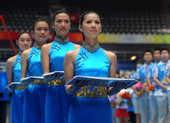 8月3日,国家体育馆运行团体进行模拟演练为竞技体操的正式开赛做准备。新华社记者 程敏/摄