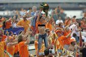 2010年7月14日,虽然荷兰队再次无缘大力神杯,不过他们仍然举行了庆祝活动。荷兰队乘船沿着阿姆斯特...