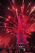 2010年11月3日晚,广州海心沙上演包括烟花预演在内的亚运开幕式带妆彩排。