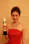 2010夏季电视剧互联网盛典于7月28日晚在北京万达索菲特举行颁奖典礼。有新《三国》、《无懈可击》两...