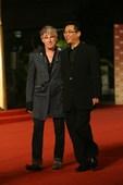 搜狐娱乐讯 第12届上海国际电影节闭幕,参赛影片代表亮相闭幕红毯。(搜狐前方报道组报道)