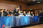 2010年7月2日,2010年南非世界杯,日本队归国召开新闻发布会,冈田武史发言对没能实现跻身四强而...