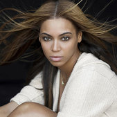 今年事业风升水起的Beyoncé(碧昂斯)在08年的尾巴上再获一项至高荣誉,在《滚石》刚刚评出...