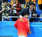 2010年11月13日,2010年广州亚运会,武术男子长拳,中国选手袁晓超以9.78分获得首金。