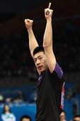 北京时间11月20日,2010年广州亚运会乒乓球男子单打决赛在两位中国选手间进行。最终,马龙4-2战...
