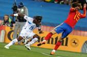 北京时间6月22日凌晨2点30分,2010南非世界杯H组第2轮第2场比赛在约翰内斯堡的埃利斯公园球场...